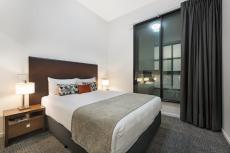 queen-bedroom-two-bedroom-apartment